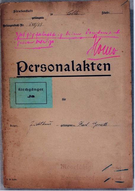 "Illustration 1: Custody file from the Celle penitentiary: In pink handwriting the remark ""Homo."" is found on the folder."